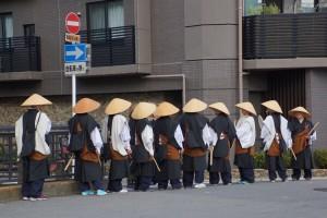 kyoto_10_monks_chillin_1_djp